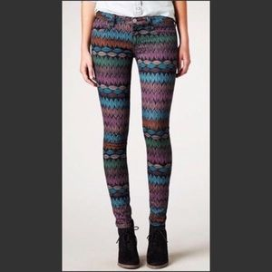 American Eagle Outfitters Feather Ankle Jegging